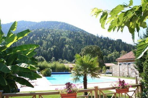 LA TAILLADE DE MONTSEGUR locations vacances Sud France : équipée d'une piscine