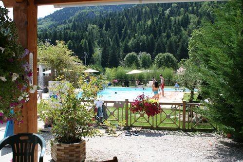 LA TAILLADE DE MONTSEGUR locations vacances Sud France chalets en bois avec piscine
